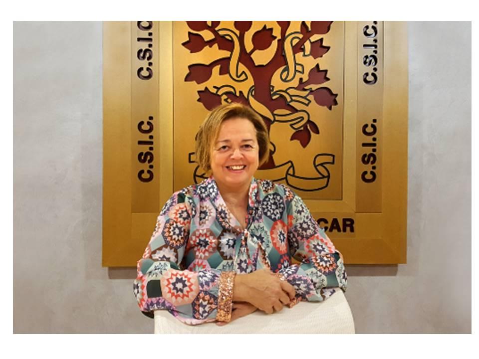 Rosa Menéndez presidenta del CSIC visita el Instituto de Cerámica y Vidrio